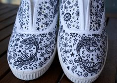 Zapatillas pintadas / Painted canvas shoes