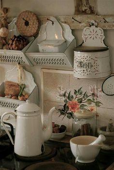 cottage kitchen in shabby chic Decor, Shabby Chic Decor, Farmhouse Decor, Chic Kitchen, Vintage Kitchen, Cottage Decor, Chic Decor, Vintage Decor, Vintage Enamelware
