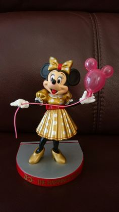 2014 Disney HKDL 9th Anniversary Balloon Squishy Pin With Packing