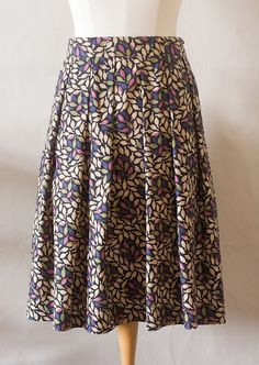 The Miranda Skirt Pattern. Pleated skirt tutorial with excellent clear instructions.