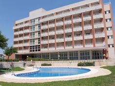 Santa Pola Hotel Gran Playa Spain, Europe Hotel Gran Playa is perfectly located for both business and leisure guests in Santa Pola. The hotel offers a wide range of amenities and perks to ensure you have a great time. Facilities like free Wi-Fi in all rooms, daily housekeeping, photocopying, printer, 24-hour front desk are readily available for you to enjoy. Closet, towels, television LCD/plasma screen, mirror, linens can be found in selected guestrooms. The hotel offers vario...