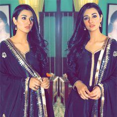 Sara Khan Pakistani, Pakistani Actress, Pakistani Bridal, Trendy Suits, Pakistani Formal Dresses, Bride Photography, Cute Girl Photo, Muslim Girls, Black White Fashion