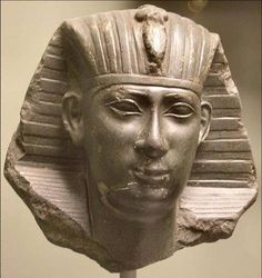 The Egyptian government was heavily centralized, dominated by a single man, the Pharaoh, who was considered a living god. This is an ancient sculpture of him. Ancient Egypt Art, Ancient Artifacts, Ancient History, Egyptian Mythology, Egyptian Art, Monuments, Statues, King Josiah, Cyrus The Great