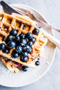 Blueberry Waffles are the perfect addition to your spring and summer brunches! Fluffy on the inside, crispy on the outside and filled with fresh bursts of blueberry - everyone loves these! Waffle Recipes, Brunch Recipes, Baby Food Recipes, Brunch Ideas, Cocktail Recipes, Healthy Brunch, Vegetarian Breakfast Recipes, Healthy Breakfasts, Vegetarian Food