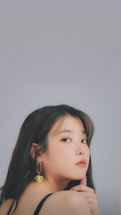 Korean Actresses, Korean Actors, Iu Short Hair, Hyuna Red, Pretty Korean Girls, Korean Aesthetic, Pretty Wallpapers, Korean Celebrities, Aesthetic Pictures