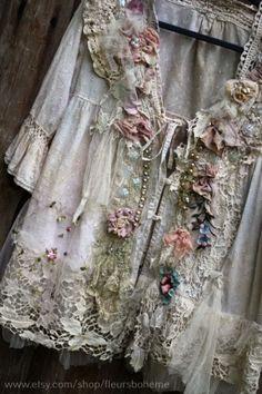 by FleursBoheme Moda Vintage, Vintage Lace, Vintage Dresses, Vintage Outfits, Gypsy Style, Bohemian Style, Boho Chic, Hippie Tops, Bohemian Tops