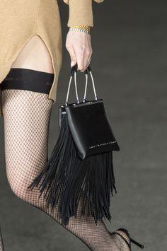 Le borse di moda per la Primavera Estate 2018 viste alle sfilate sono così cool che sono già must have