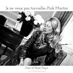 Monica Bellucci as a blonde Monica Belluci, Monica Bellucci Photo, Monica Bellucci Wallpaper, Hotel Crillon, Hipster Glasses, Pink Martini, Most Beautiful Women, Leather Skirt, Actresses