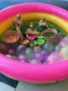 Happy holi Radha Krishna Holi, Baby Krishna, Cute Krishna, Radhe Krishna, Lord Krishna Wallpapers, Radha Krishna Wallpaper, Holi Theme, Sri Krishna Janmashtami, Holi Gift