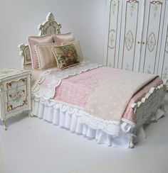 Dollhouse Miniature Bedroom Set by Ken@JBM, via Flickr