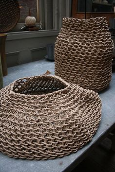handwoven recycled paper created by the French design studio Best Before, these baskets are made using hand twisted recycled paper that is then woven into these stunning, sculptural baskets Paper Basket, Basket Bag, Arts And Crafts, Paper Crafts, Diy Crafts, Sisal, Basket Weaving, Hand Weaving, Diy Recycling