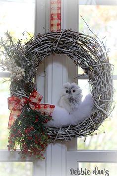 DIY winter owl wreath