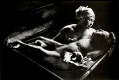 Eugene Smith, Tomoko Uemura in Her Bath Tomoko suffered from the Minamata disease, a neurological syndrome caused by severe mercury poisoning. This picture was the first to draw public attention to the plight of families in Minamata (Japan). History Of Photography, Documentary Photography, Street Photography, Famous Photography, Reportage Photography, Fishing Photography, Inspiring Photography, Modern Photography, Film Photography