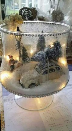 Winter Filled Glass Christmas Centerpiece christmas decor diy 20 Magical Christmas Centerpieces That Will Make You Feel The Joy Of The Holidays Magical Christmas, Noel Christmas, Christmas Projects, Winter Christmas, Christmas Ornaments, Fun Projects, Christmas Scenes, Beautiful Christmas, Christmas Lanterns