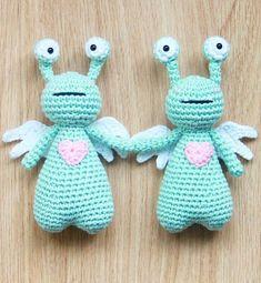 Amor the Love Monster crochet pattern by Little Bear Crochets: www.littlebearcrochets.com #littlebearcrochets #amigurumi