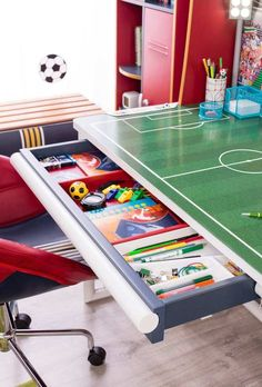Soccer decor best soccer room decor ideas on soccer decor soccer desk with unit soccer themed soccer themed birthday party Boys Football Bedroom, Boy Sports Bedroom, Football Rooms, Girls Bedroom, Baby Bedroom, Football Nursery, Cute Bedroom Ideas, Bedroom Themes, Bedroom Decor