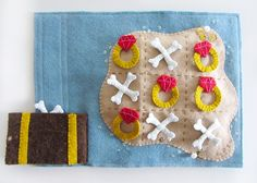 Felt Pirate Island Tic-Tac-Toe Quiet Book Page - free pattern and tutorial from Imagine Our Life