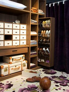 "Love the slide-out shoe storage!  What an excellent idea!  Wish I had a closet this size, but this might work in a ""normal"" closet...."