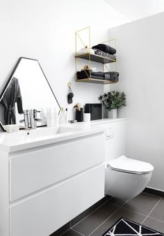 Graphic simplicity, nordic and modern look in the bathroom - use the clear lines and add quiet details. Family Bathroom, Small Bathroom, Master Bathroom, Bad Inspiration, Bathroom Inspiration, Bathroom Furniture, Bathroom Interior, Wooden Furniture, Bathroom Cabinets