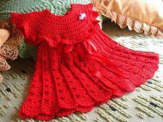Kırmızı el örgüsü kız elbisesi