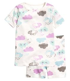White/cloud. Pajamas in soft, ribbed cotton jersey. Short-sleeved top with a printed motif at front. Short, patterned leggings with elasticized drawstring