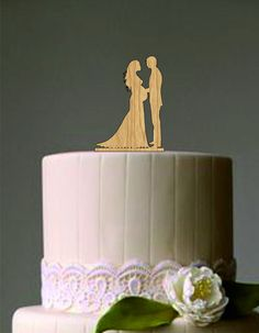 Pregnant wedding cake topper - Bride and Groom Silhouette Cake Topper - Custom Cake Topper - Unique Cake Topper - Silhouette Cake Topper by on Etsy Unique Cake Toppers, Rustic Wedding Cake Toppers, Custom Cake Toppers, Wedding Cakes, Pregnant Wedding Dress, Maternity Wedding, Bride And Groom Silhouette, Silhouette Cake, Wedding Dresses