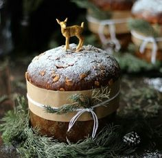 Am International proposal: Panettone is a traditional cake from Italy, stuffed with a lot of nuts and dried fruits. Christmas Sweets, Noel Christmas, Christmas Goodies, Rustic Christmas, Christmas Baking, Winter Christmas, Christmas Cakes, Cabin Christmas, Woodland Christmas