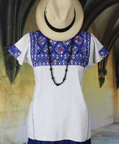 White & Dark Blue Huipil Larrainzar Chiapas Mexico, Hand Woven Mayan Boho Hippie #Handmade #Huipiltunic