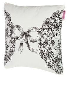 #TATI - Coussin déhoussable motifs dentelle - 5,99 € - Moelleux et confortable, ce coussin occupera une place de choix dans votre intérieur pour une ambiance cosy et chic. http://www.tati.fr/chantal-thomass-pour-tati/deco-cadeau-glamour/tous-les-produits/coussin-dehoussable-motifs-dentelle/130991/nall/d2/s/p1~40/c/b/e.html?cmpid=pinterest&utm_source=pinterest.com&utm_medium=referral&utm_campaign=pont_coussin_20141125