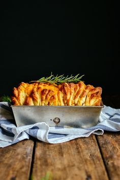 cheesy rosemary pull-apart bread — try using pizza dough or biscuit dough!