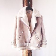 ACNE Velocite Ash Grey Coat | Spotted on @Betty Autier
