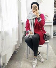 Street Hijab Fashion, Muslim Fashion, Modern Hijab, Chunky Knitting Patterns, Hijab Outfit, Shoulder Dress, Clothes For Women, Jackets, Outfits