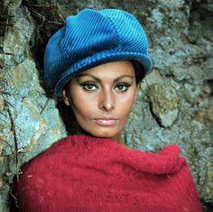 Sophia Loren http://lasombrereradeladymarlo.blogspot.co.uk