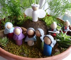 A few days ago I stumbled across a blog called Embracing the Now. The writer, Erin, had a sweet idea for making an  Easter Garden .  I thoug...