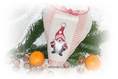 *Weihnachtswichtel* Herz - LandhausStil - Versteck von Antjes Design auf DaWanda.comJetzt, da es wieder auf die schönste Zeit des Jahres zugeht, solltet auch ihr euch einen Weichnachtswichtel ins Heim holen!