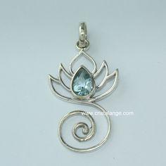 Pendentif Fleur de lotus avec pierre fine facettée: topaze bleue ou améthyste…
