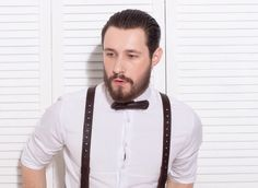 Elegant Gentleman Bow-Tie – 295 грн. Бесплатная доставка на отделение Новой почты. Для заказа пишите сюда - MAIL@SKINANDBONES.COM.UA.  Сильный мужчина всегда вежлив и учтив. Эксклюзивная кожаная бабочка Elegant Gentleman Bow-Tie для настоящих джентльменов.  #skinandbones #man #woman #handmade #leather #bowtie #collar #wallet #suspenders #exclusive