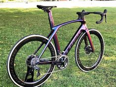 Mtb Bike, Cycling Bikes, Trek Madone, Paint Bike, Trek Bikes, Cool Bicycles, Bike Design, Bike Stuff, Road Bikes