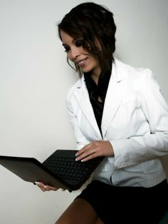 Businesswoman - Preparing for graduation by Ondřej Klhůfek on 500px