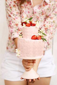 ♔ Strawberry Cake
