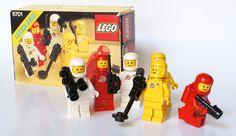 Classic LEGO Spacemen