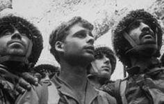 Paracaídistas en el Muro de Los Lamentos (O.P.G./D. Rubinger) June 1967