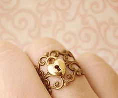 key hole ring