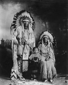 Duck Chief and family 1925