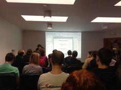 Jaký byl čtvrtý Barcamp ve Vsetíně? - blog.jirkont.cz - fotka z přípravy prezentace Šťastný marketing k projektu www.zivotvevlnach.cz