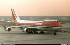 Avianca Boeing 747-259BM HK-2980X taxiing towards the terminal at Frankfurt-Main, circa late 1980s. (Photo: Alastair T. Gardiner)