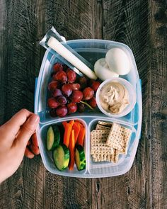 The snack is a topic that is talking about nutrition. Is it really necessary to have a snack? A snack is not a bad choice, but you have to know how to choose it properly. The snack must provide both… Continue Reading → Lunch Meal Prep, Healthy Meal Prep, Healthy Dinner Recipes, Healthy Beach Snacks, Lunch Snacks, Clean Eating Snacks, Healthy Eating, Clean Lunches, Snacks Kids