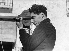 Robert Capa grabando en la Guerra Civil, por Gerda Taro.