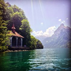 The William Tell's Chapel on Lake Uri. Sail with Andermatt Adventure to the scenes of the Swiss Legend and enjoy the spectacular view! www.andermatt-adventure.ch