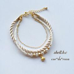ハンドメイドマーケット minne(ミンネ)| 再販** 〜shell bracelet 〜シェルの三連ブレスレット